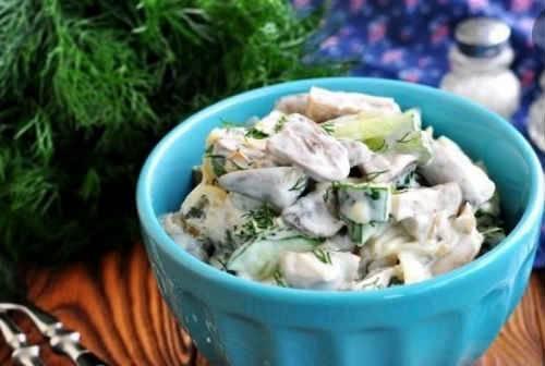 Рецепты салатов из куриных сердечек и свойства продукта