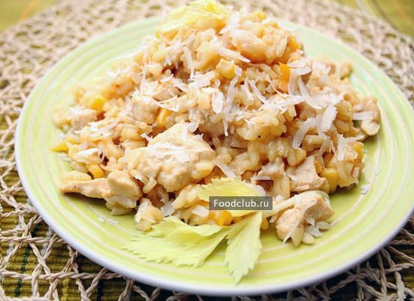 Паэлья с курицей и морепродуктами