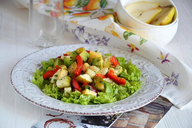 Салат с грушей и сыром с голубой плесенью (рокфор) - рецепты джуренко