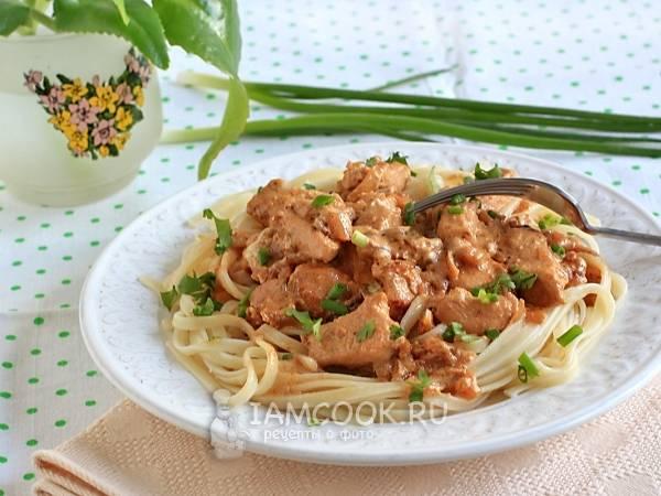 Паста с курицей в сливочном соусе: простые рецепты с фото
