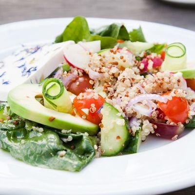 Салат с киноа: 8 свежих рецептов |