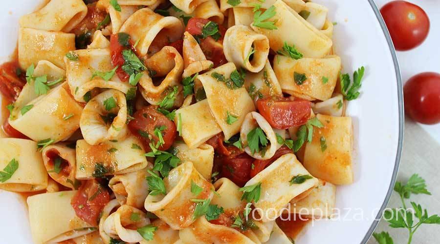 Вкусная паста с кальмарами в сливочном соусе — рецепт приготовления в мультиварке