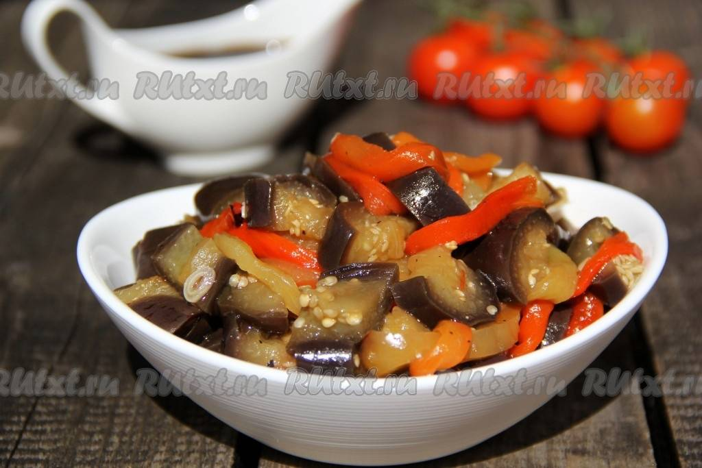 Салат из сладкого перца с соленым огурцом