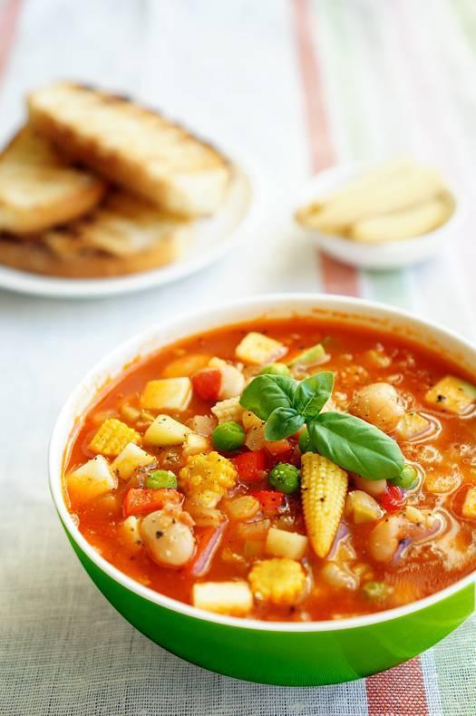 Минестроне — легкий летний суп по классическому итальянскому рецепту