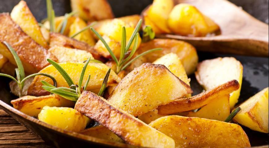 Картошка по-домашнему с салом и луком - вкуснее не бывает