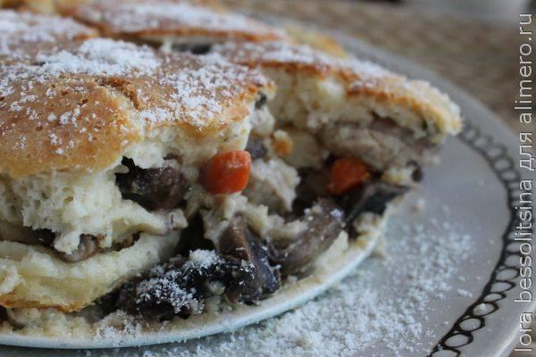 Домашний пирог с мясом и грибами – идеальный вариант выпечки на 23 февраля