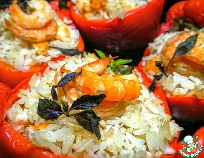 Перец, фаршированный кабачками, помидорами и рисом