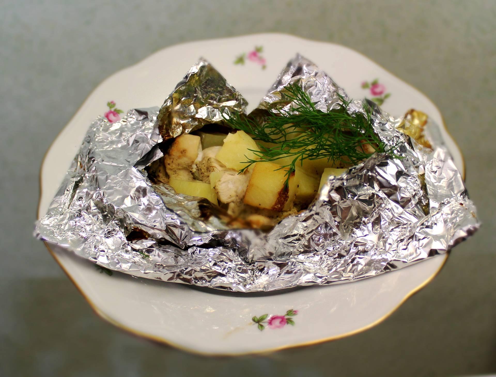 Куриные грудки в горчично сметанном соусе. куриные грудки под горчично - сметанным соусом.