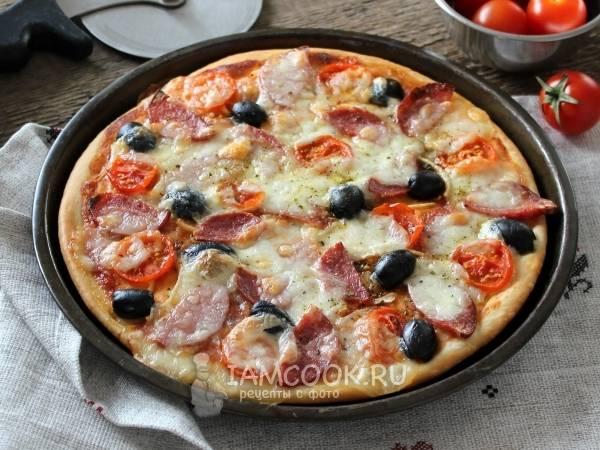 Пицца на дрожжевом тесте с колбасой и моцареллой: рецепт с фото