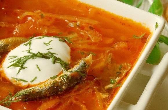 Суп из кильки в томатном соусе: простой и вкусный рецепт