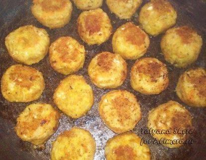 Фрикадельки с овощами и сыром