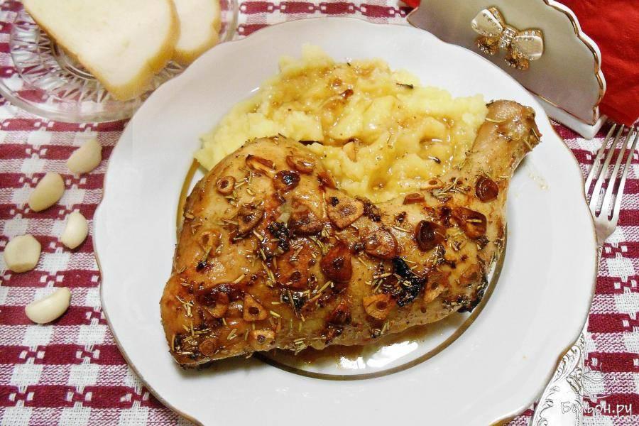 Куриные бедра с чесноком и пряностями