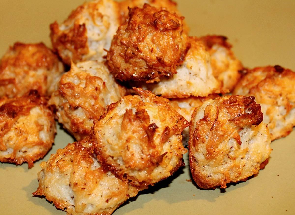 Постные кокосовые булочки с глазурью