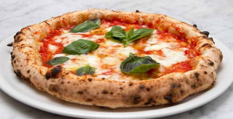 Пицца с анчоусами, с томатом и моцареллой - рецепты джуренко
