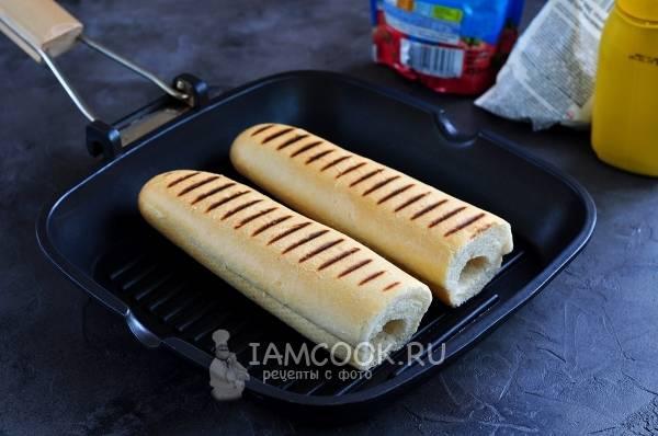 Сосиски в тесте в духовке - рецепт с фото