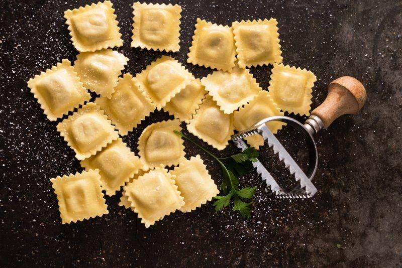 Равиоли с творогом и сыром