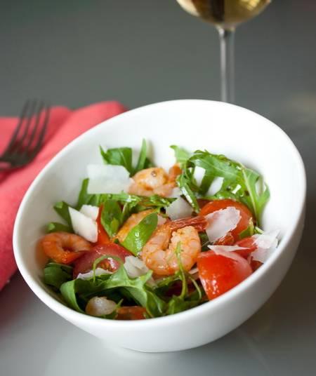 Салат с рукколой — 12 вкусных рецептов приготовления в домашних условиях
