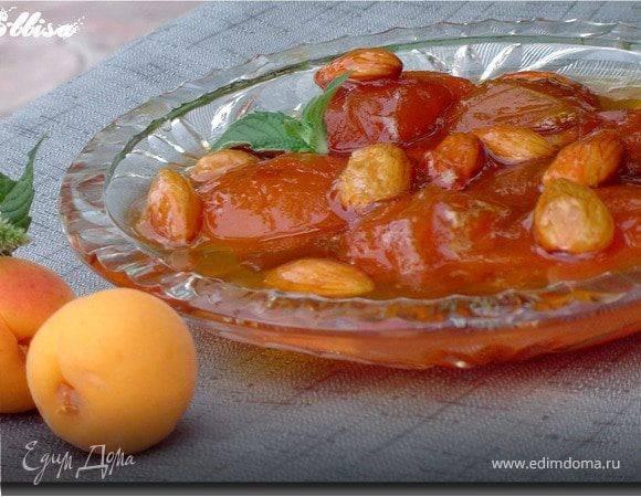 Абрикосовое варенье в мультиварке - рецепты «пятиминутки», с косточками, дольками и с миндалем