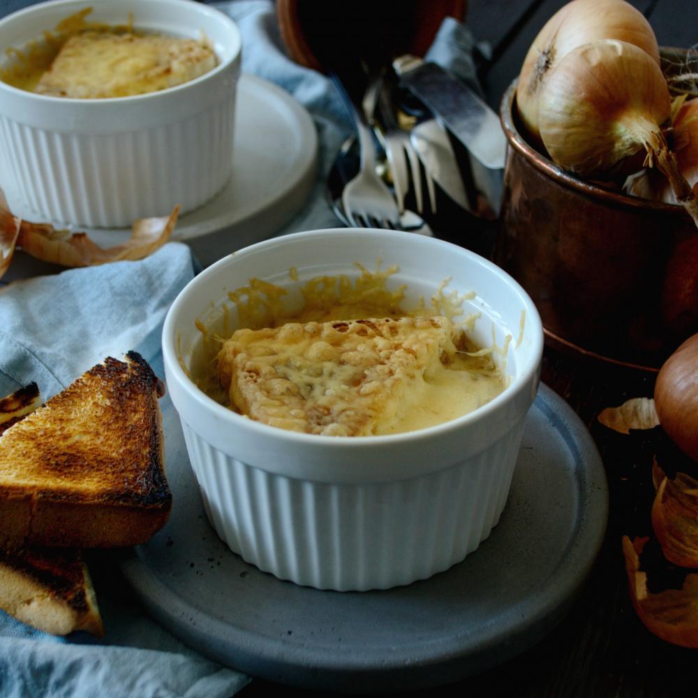 Как приготовить классический французский луковый суп по пошаговому рецепту с фото