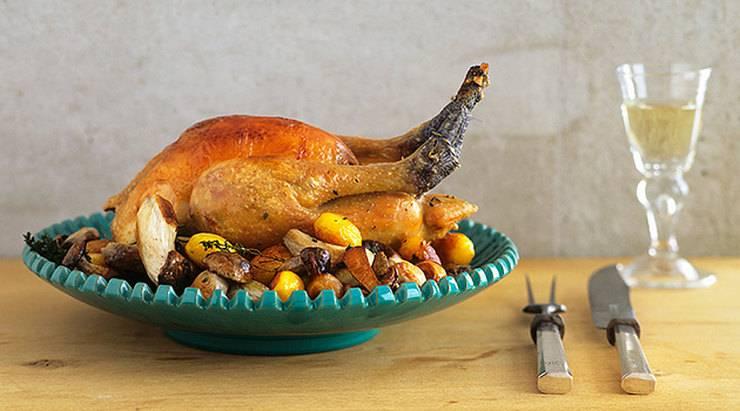 Курица в духовке целиком с хрустящей корочкой – 7 рецептов