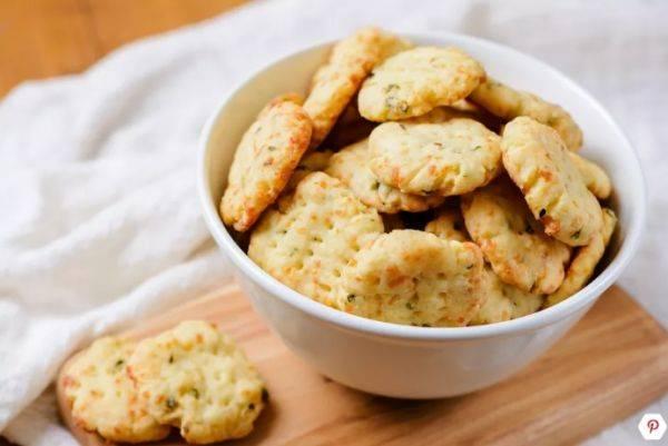 Домашние сырные крекеры за 30 минут