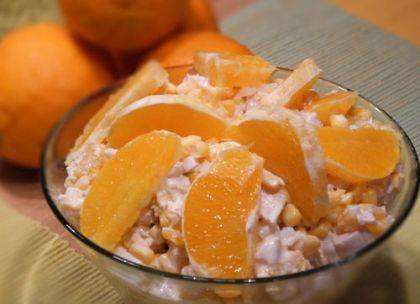 Салат из огурцов и апельсинов
