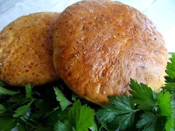 Еврейские лепешки с сыром и кориандром