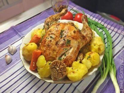 Курица в духовке целиком — 8 рецептов с хрустящей корочкой