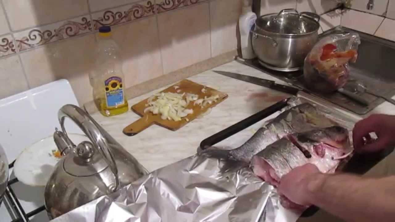 Толстолобик, запеченный в фольге в духовке - 7 пошаговых фото в рецепте