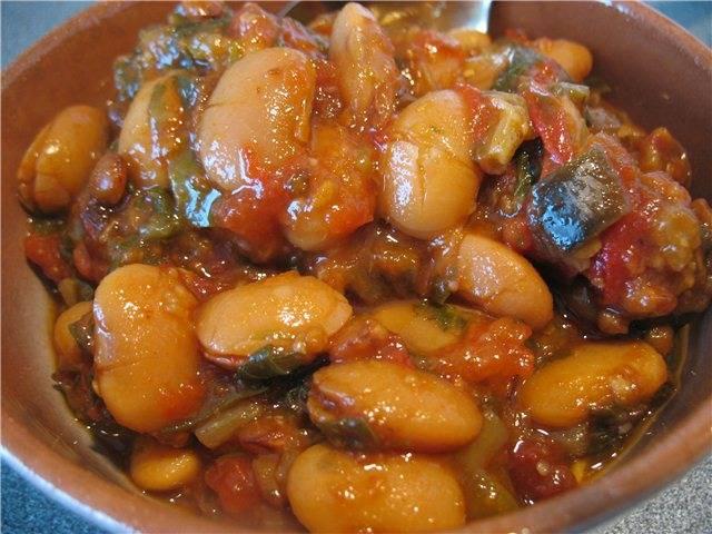 Стручковая фасоль тушеная с овощами