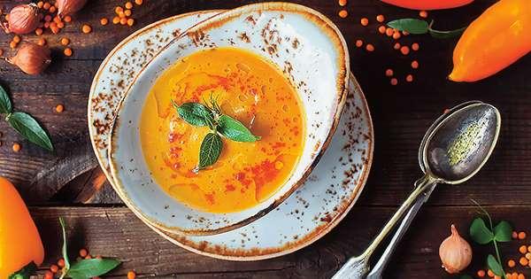 Куриный суп с лапшой и сельдереем