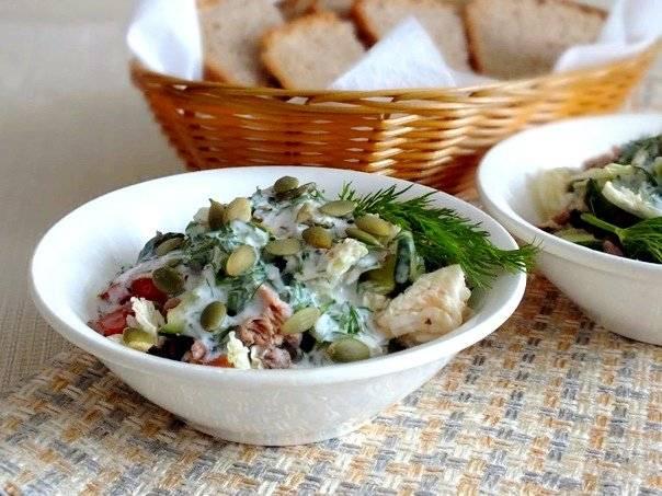 Салат с тунцом и помидорами: 9 рецептов |