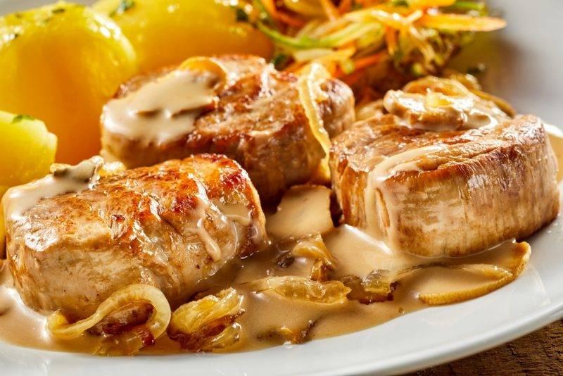 Как жарить вырезку из свинины на сковородке