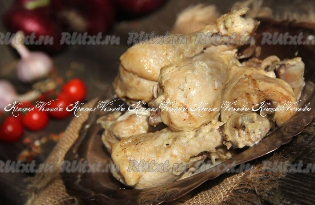 Куриная грудка с грибами в соусе