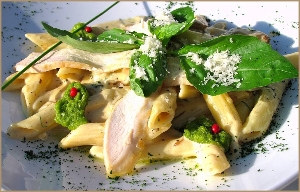 Паста с курицей в сливочном соусе: рецепт с фото