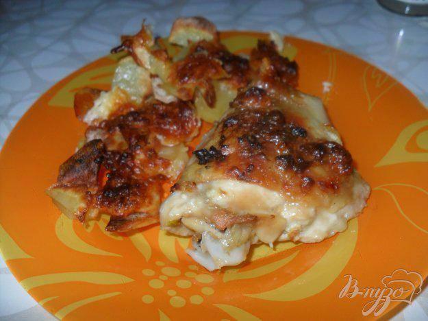 Готовим вкусные куриные бедра в духовке с ломтиками картошки – самые удачные рецепты