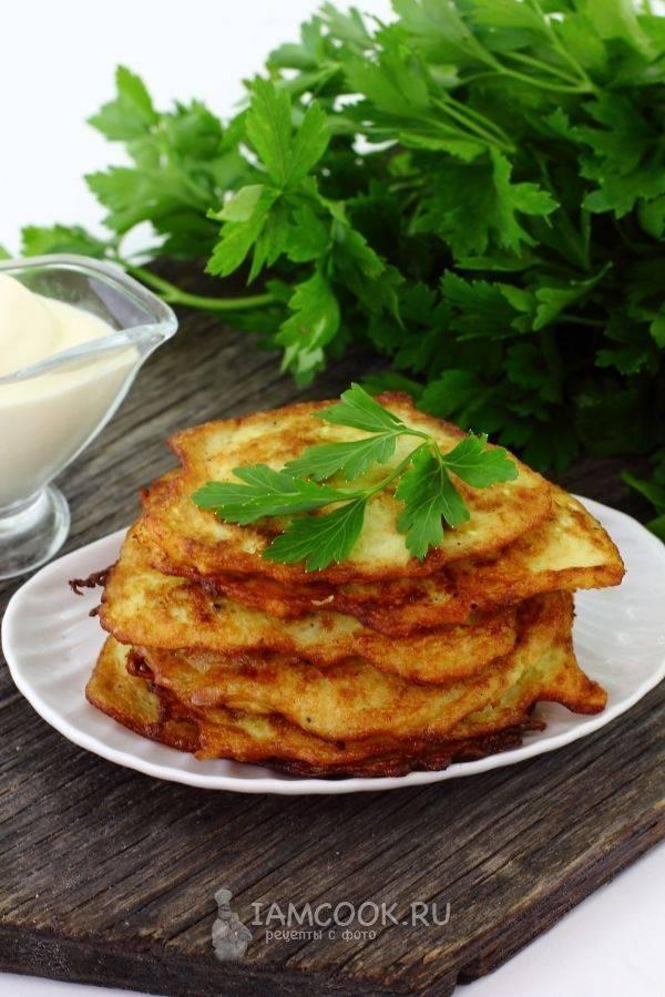 Картофельные драники с кабачком и яблоком