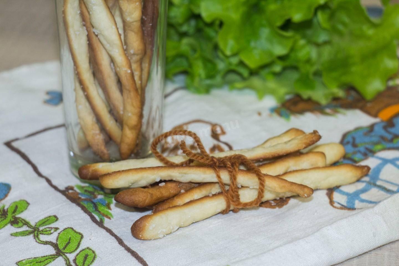 Хлебные палочки с пармезаном