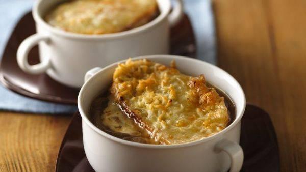 Французская классика: ароматный и нежный луковый суп
