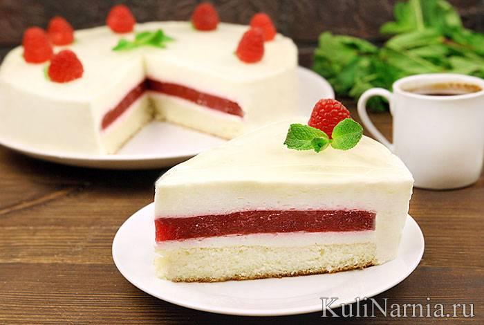 Бисквитный торт со сливочно-малиновым кремом