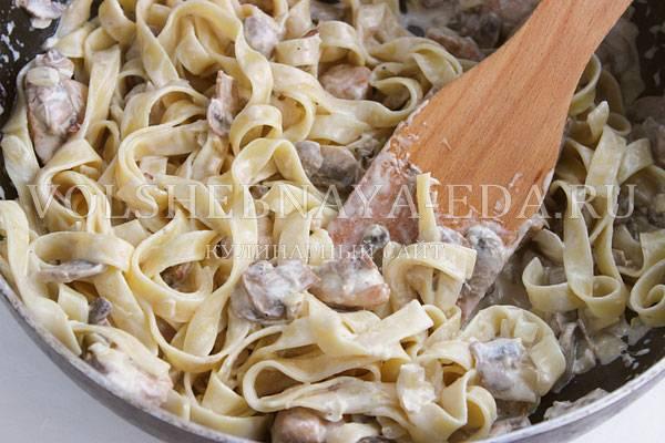 Как приготовить вкуснейшие фетучини с грибами в сливочном соусе