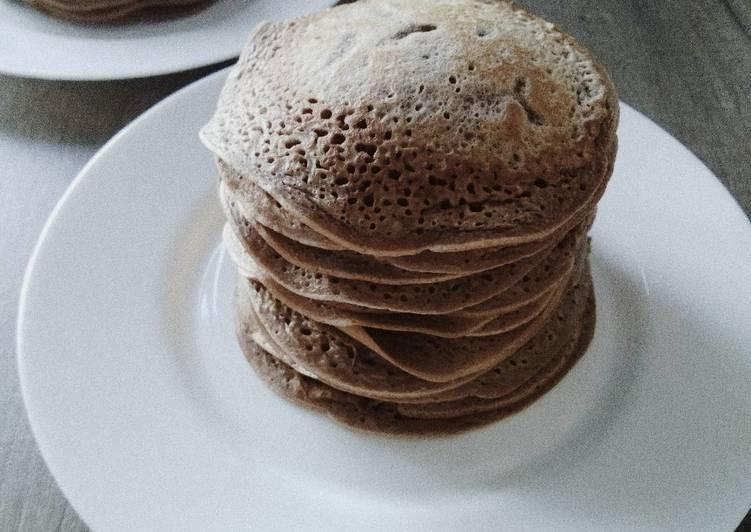 Шоколадные панкейки — 7 простых и вкусных рецептов