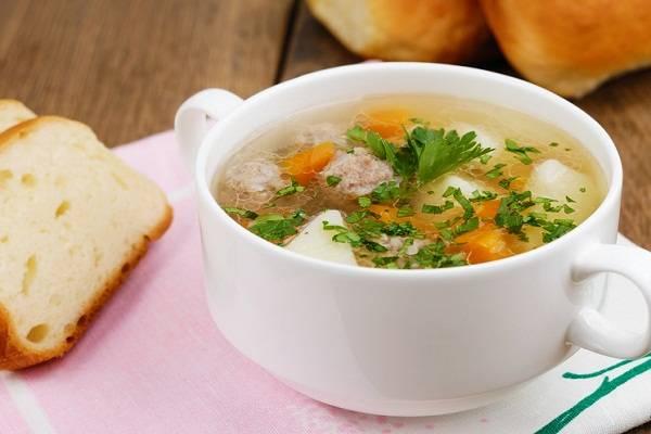 Постный суп с грибами и брокколи