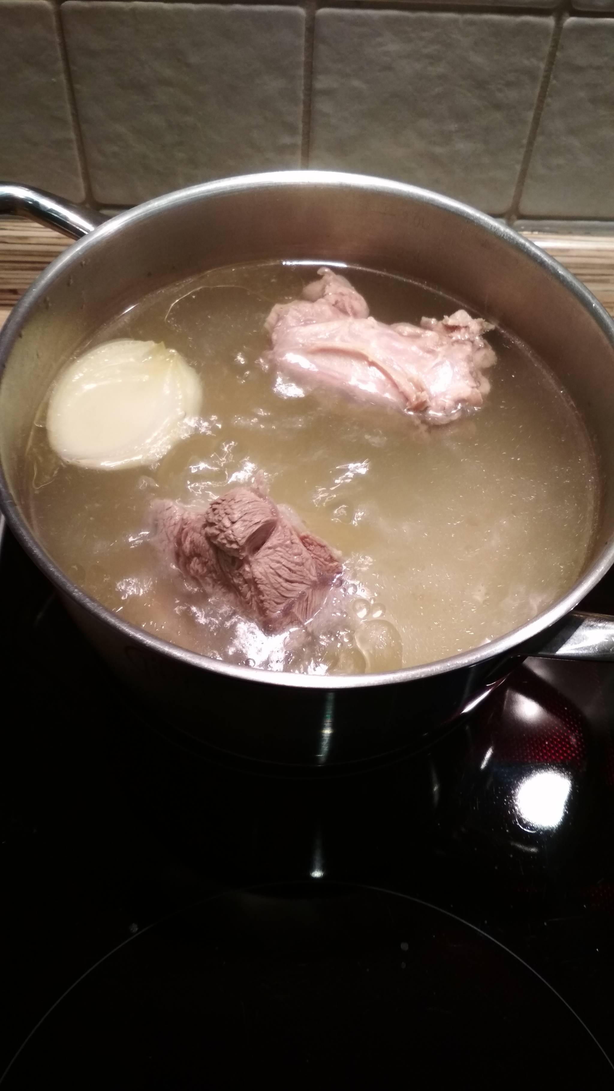 Суп с шампиньонами и перловкой