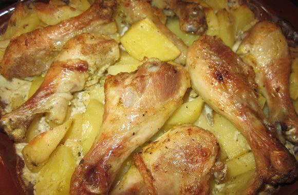 Куриное филе, запеченное с картофелем