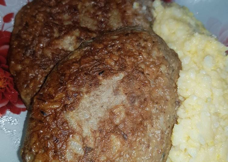 Печеночные оладьи - интересные рецепты для домашнего обеда или праздничного меню