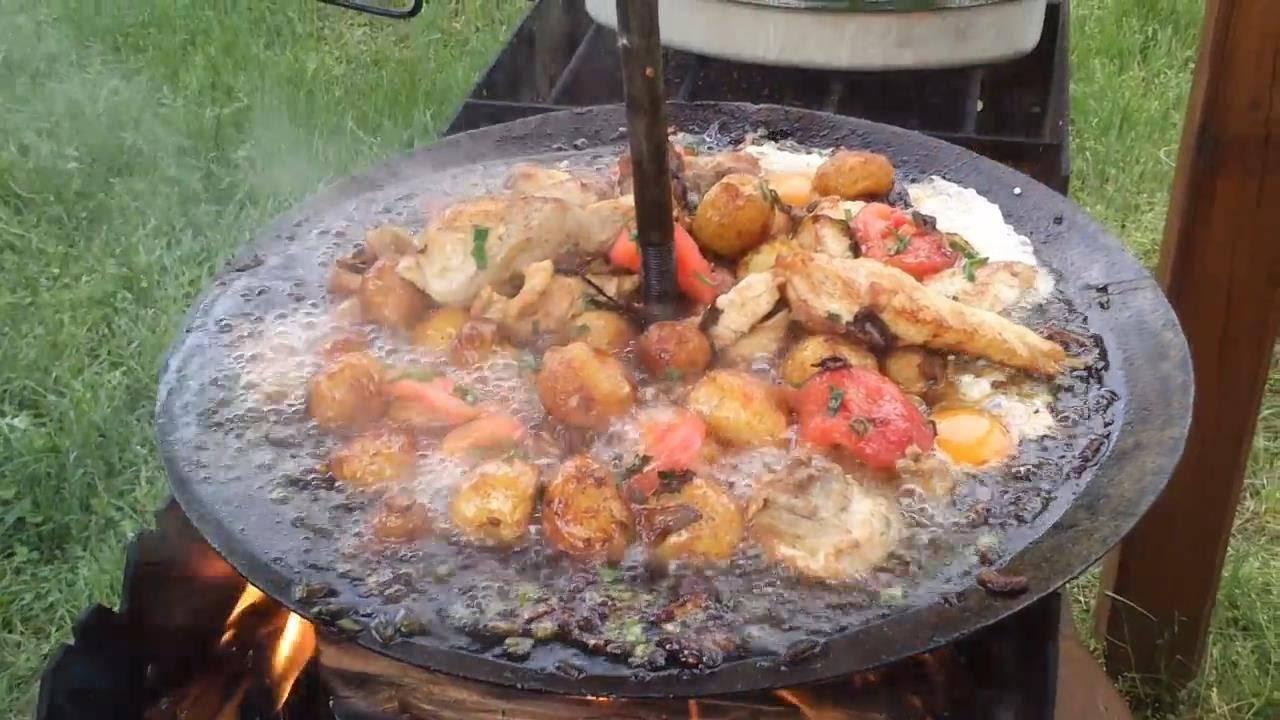 Куриные ножки – рецепты на сковороде и в духовке. как приготовить куриные ножки в кляре, с картошкой или в мешочке из слоеного теста?