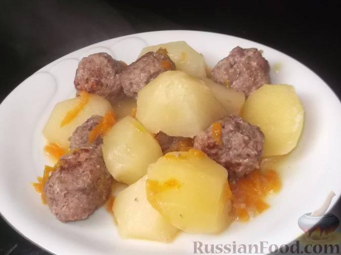 Картошка, тушеная с фрикадельками - 9 пошаговых фото в рецепте