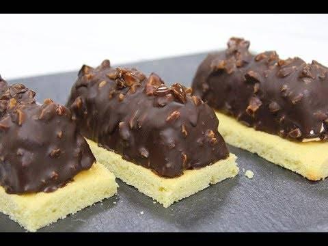 Кофейные кексы с арахисовой начинкой
