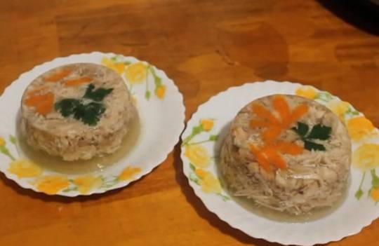 Быстрый рецепт холодца из куриной грудки с желатином в мультиварке